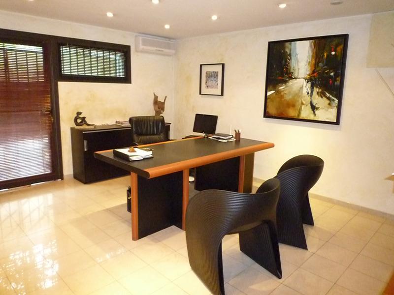 cabinet de esth tique du dr jeanblanc aix en provence. Black Bedroom Furniture Sets. Home Design Ideas